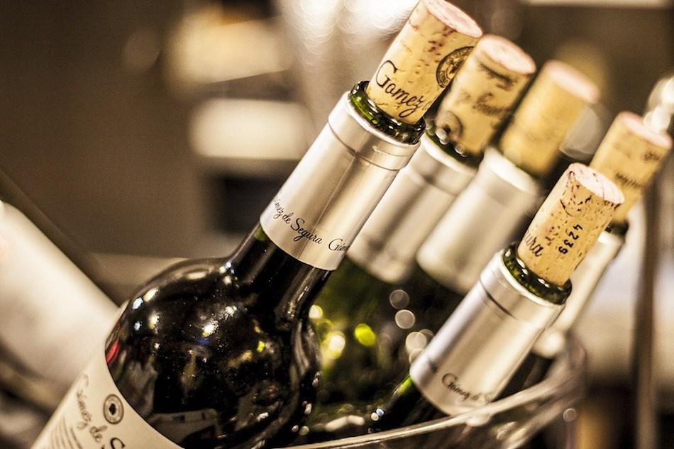 Bottles-of-corked-wine-for-Munich-Wine.jpg