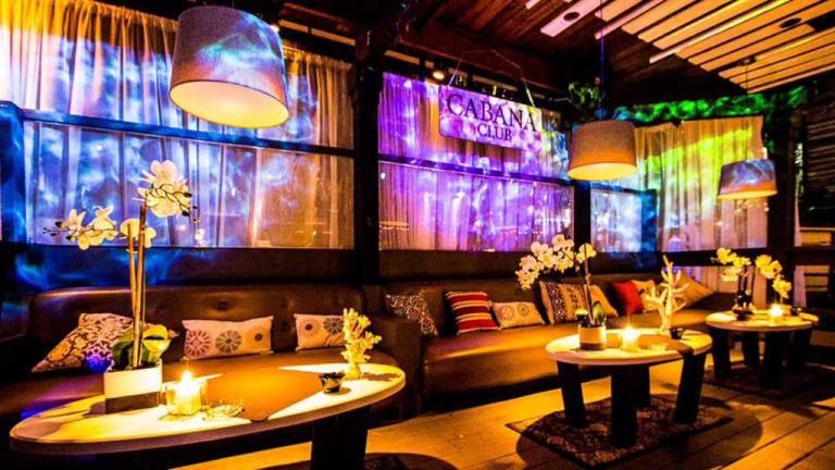 Cabana Room, Hyde Park Cafe, Tampa | @ Hyde Park Cafe