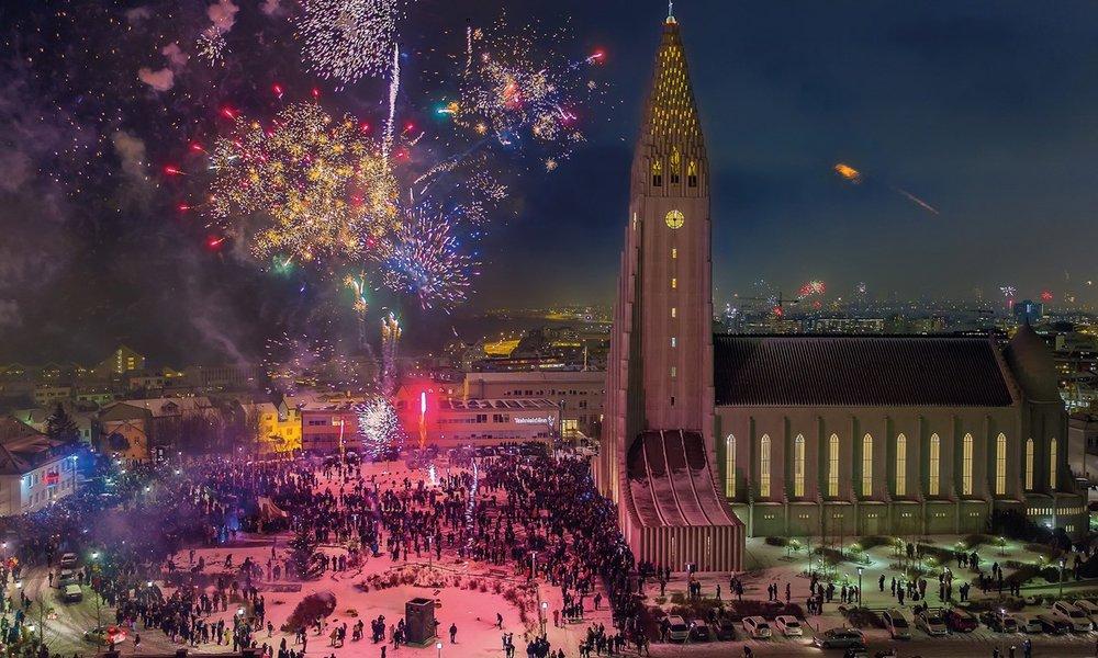 reykjavik-fireworks-3.jpg
