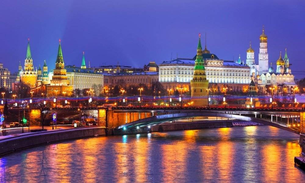 russia-view-of-kremlin-in-the-winter-moscow.jpg