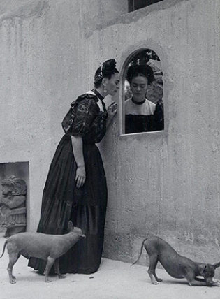 la-obra-de-frida-kahlo-recorrera-europa-en-2010.jpg