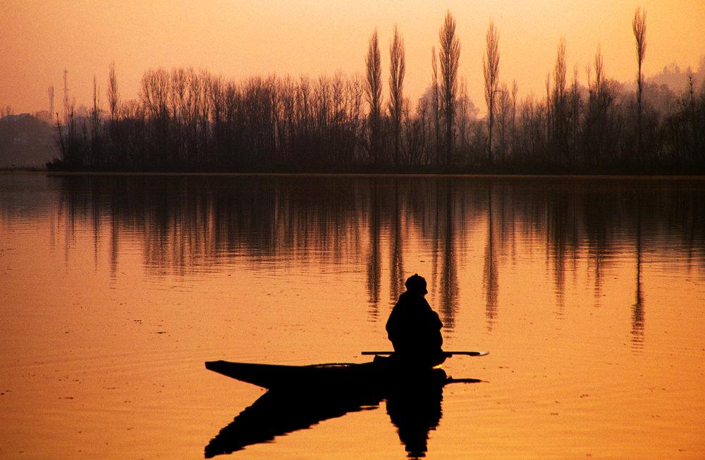 kashmiri fisherman.jpg