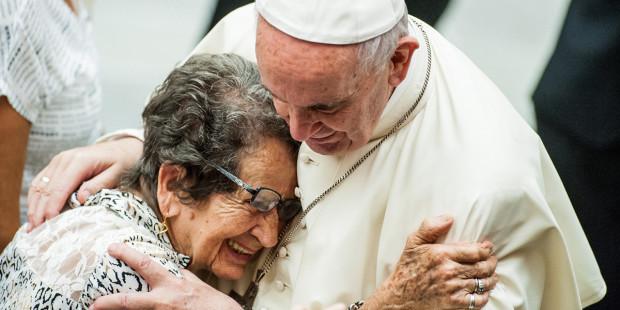 web3-pope-francis-elderly-woman.jpeg