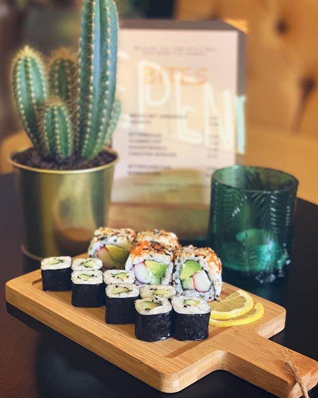 SUSHI TIME🍣 over een weekje begint de eerste Sushi Sunday, reserveer snel nog een tafeltje!
