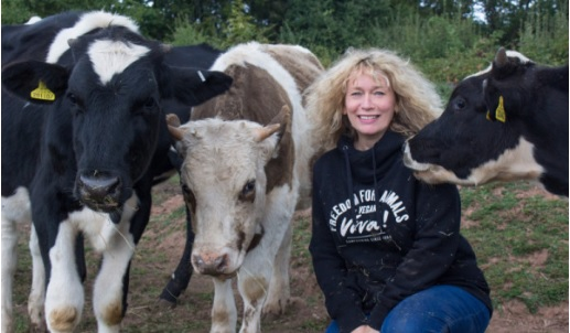 Juliet Gellatley (BSc Zoology & Psychology; nutritional therapist, DIP CNM; Dip DM) is the founder and director of   Viva!   - a campaigning charity based in Bristol, UK