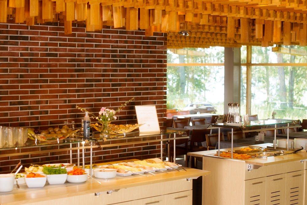 Restaurant Rantapuisto Breakfast buffet_HotelRantapuisto.jpg