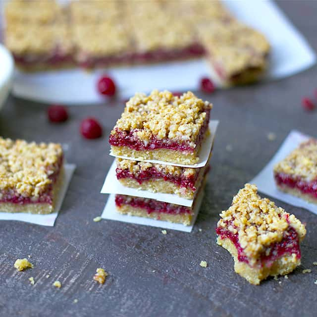 Paleo raspberry crumb bars by Wholesomelicious