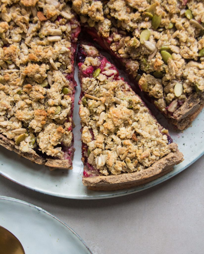 Apple and berry crumble tart by Deliciously Ella