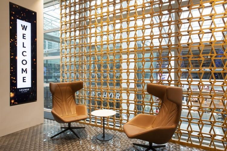 Bamboewand Lexus Lounge