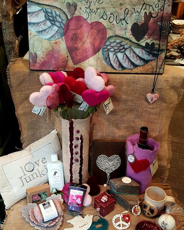 Handmade with lots of local ❤️❤️❤️❤️❤️ We have the perfect gift for your Valentine!