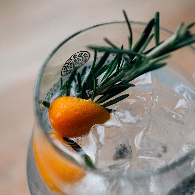 If Christmas was a G&T? The team at @nationalbelfast are serving up this little festive classic of @shortcrossgin, kumquats and rosemary. Good for reminiscing about oranges in Christmas stockings...and instead appreciating them bathed in gin 👌🏻 #gininthecity #christmas #cocktails #ginstagram