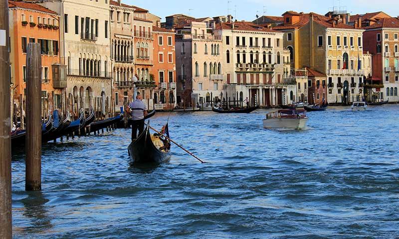 Travel-Tips1-Sunny Canal.jpg