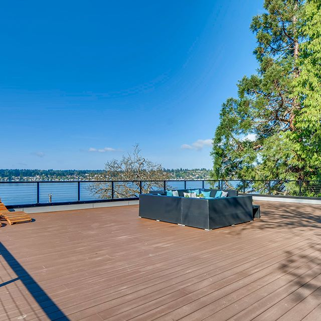 #Rooftop Life in the #pnw #summervibes #lakewashington @real._.estate @luxuryhomemagazine