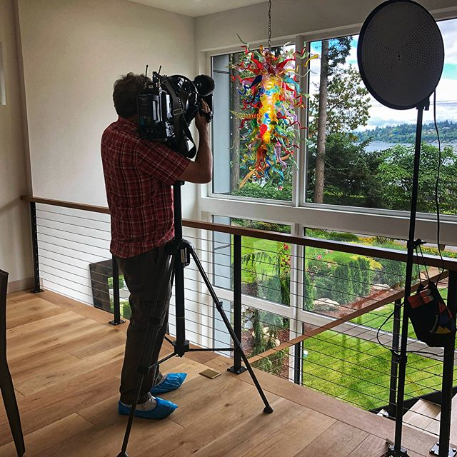 Be sure to catch Holmes Point Modern featured as a premier property on Evening Magazine on King 5 @king5evening @king5seattle