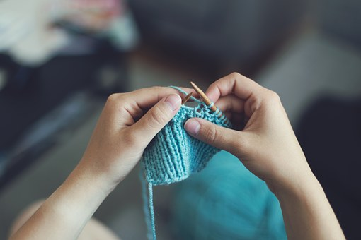 knit-869221__340.jpg