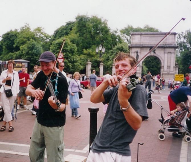 Stringfever Giles & Ralph Grafton Street circa 2001.jpg