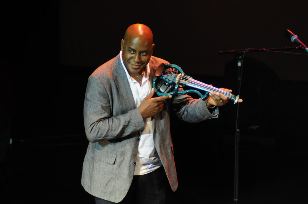 Ainsley with blue violin.JPG