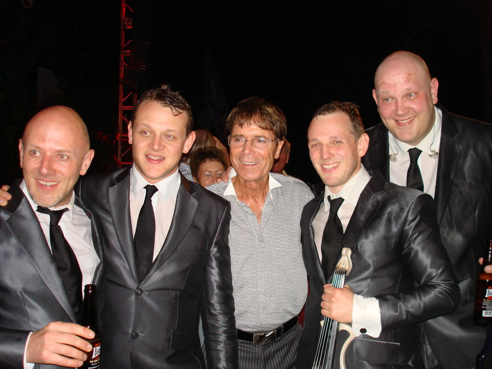 Stringfever and Cliff Richard Holders 2013.JPG