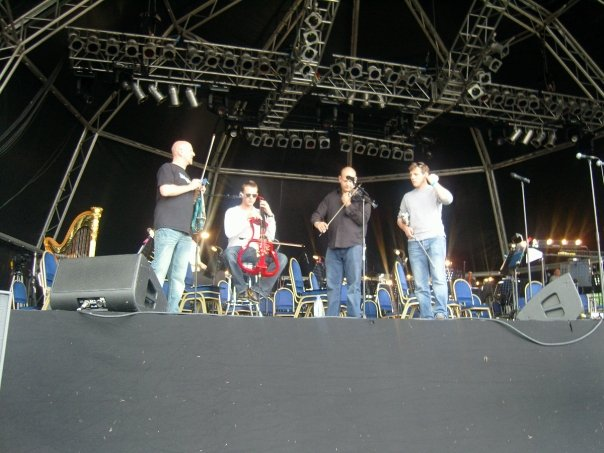 Sound check  Rochester Castle 2008.jpg