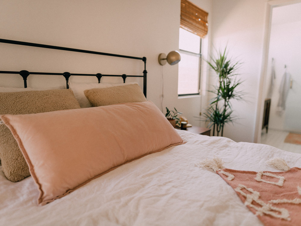 bedroom-makeover-urban-outfitters-12