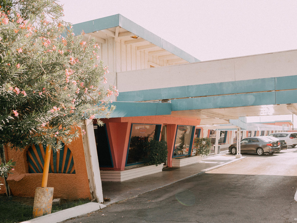 desert-dwelling-pink-elephant-motel-4.jpg