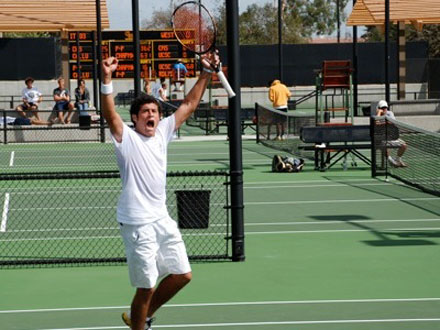 Robbie Erani CM '12 clinching the ITA West Region title. Photo Credit: Jen Rosenthal