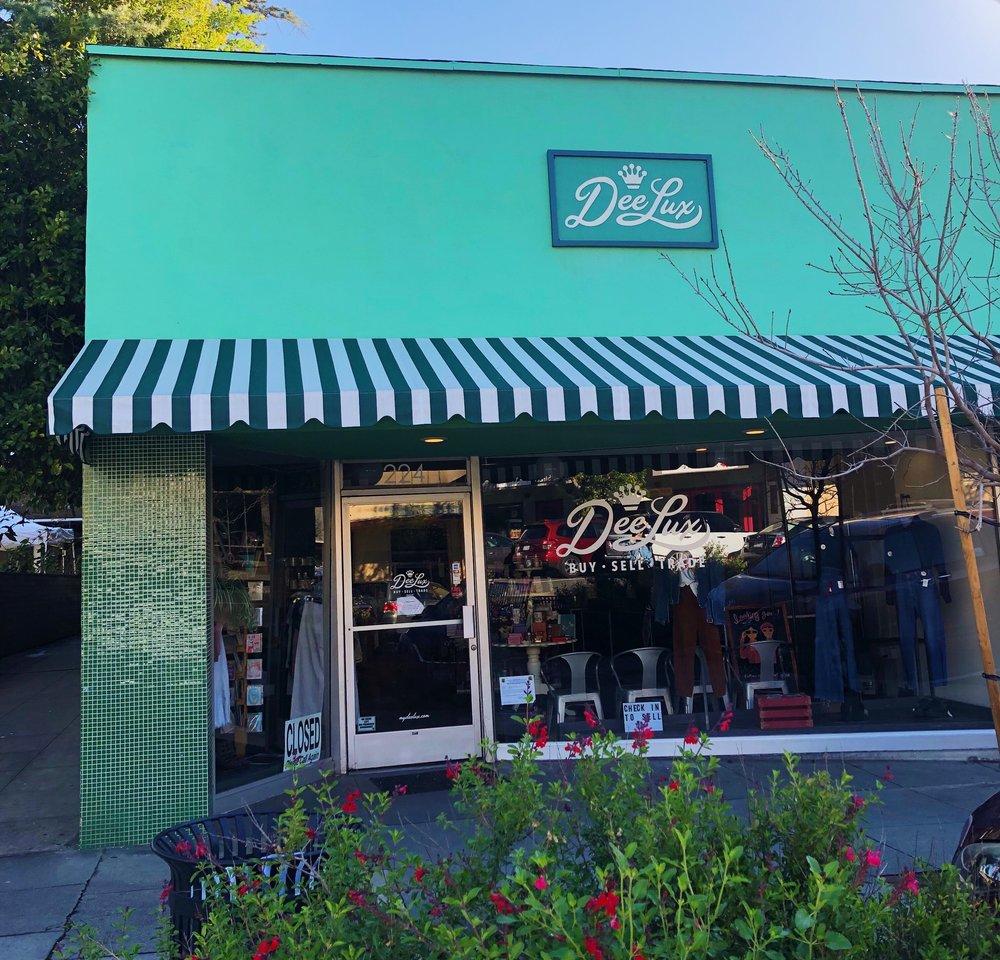 DeeLux Thrift Store in Claremont Village