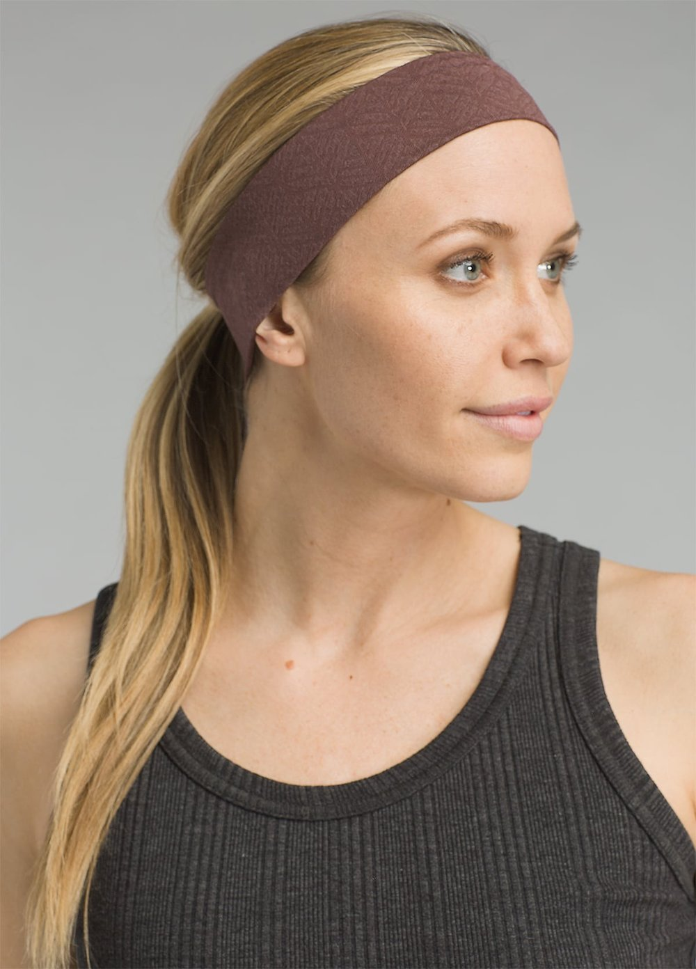 Jacquard Headband - THE JACQUARD HEADBAND FEATURES ELASTIC AT THE INSIDE FOR A STAY-PUT FIT, AND IS 2