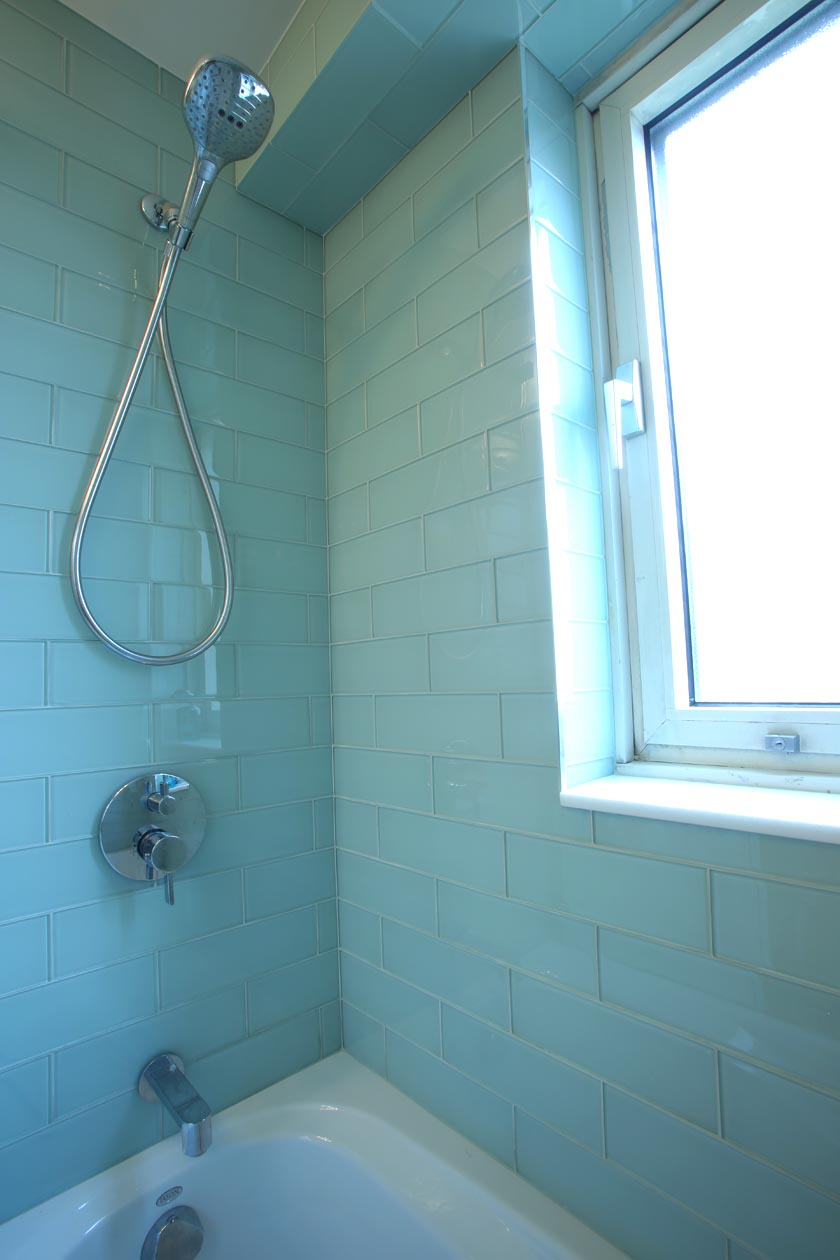 3_SHOWERHEAD-BLUE_TILES.jpg