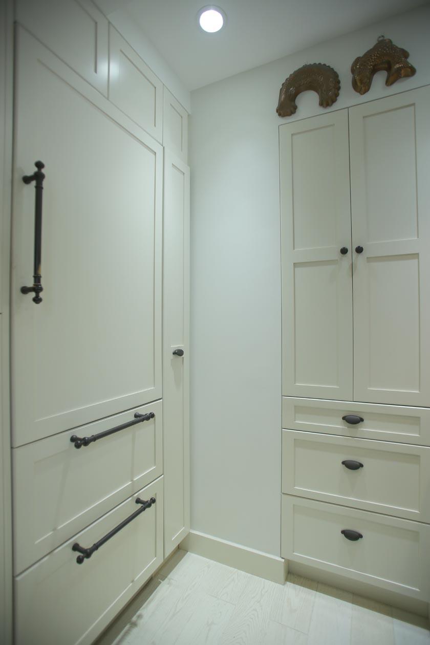 5_storage_cabinets.jpg