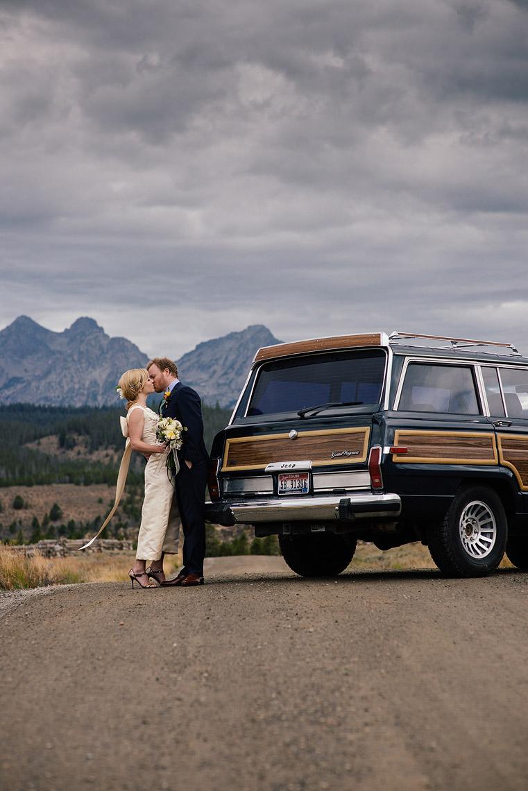 13-idaho-rocky-mountain-ranch-destination-wedding.jpg