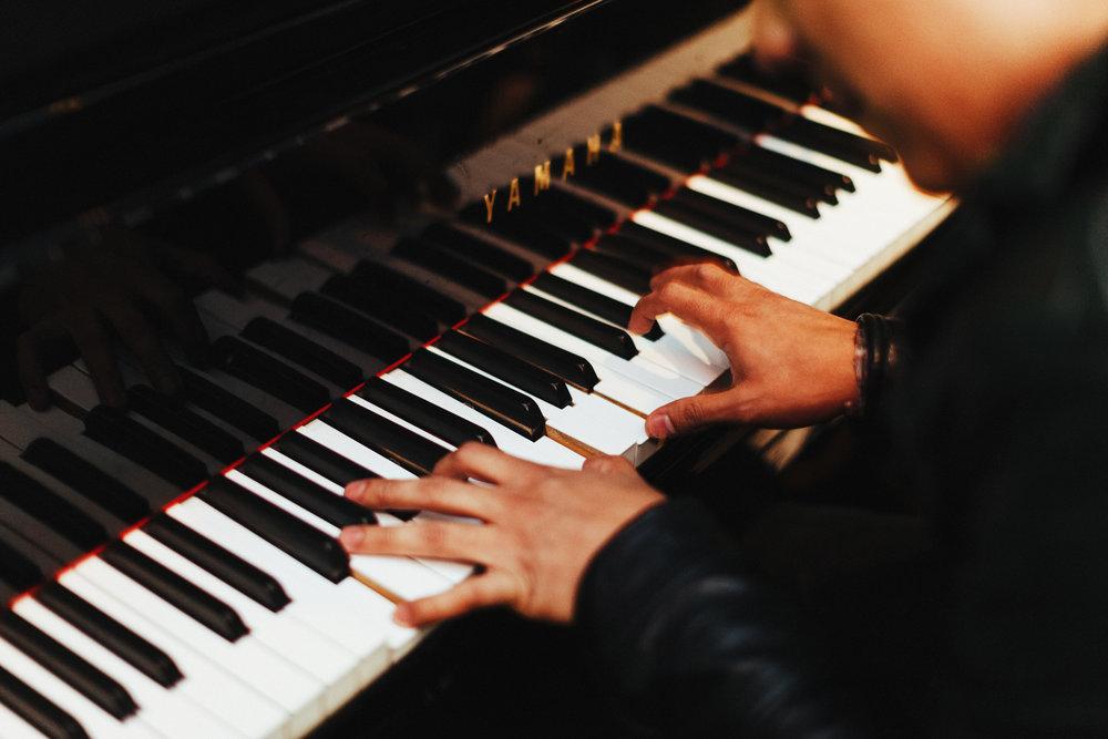 Upright Pianos - U Series, YUS Series, b Series, P22…