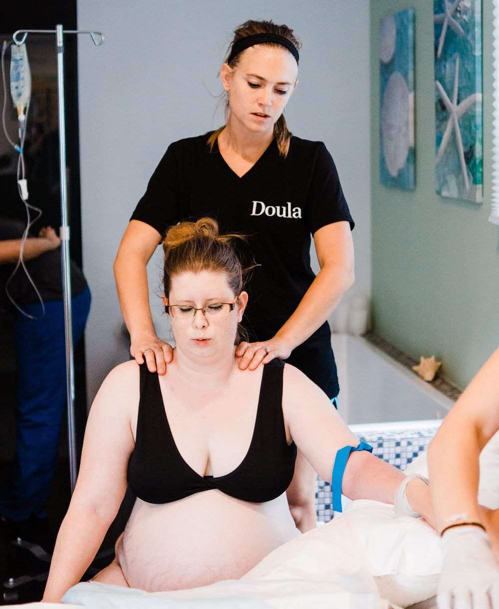 doula-supporting-a-birth-in-winchester-va
