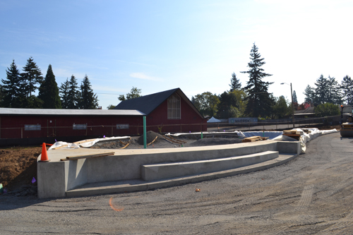 Evergreen Skateparks has completed the perimeter walls and deck of the skatedot.