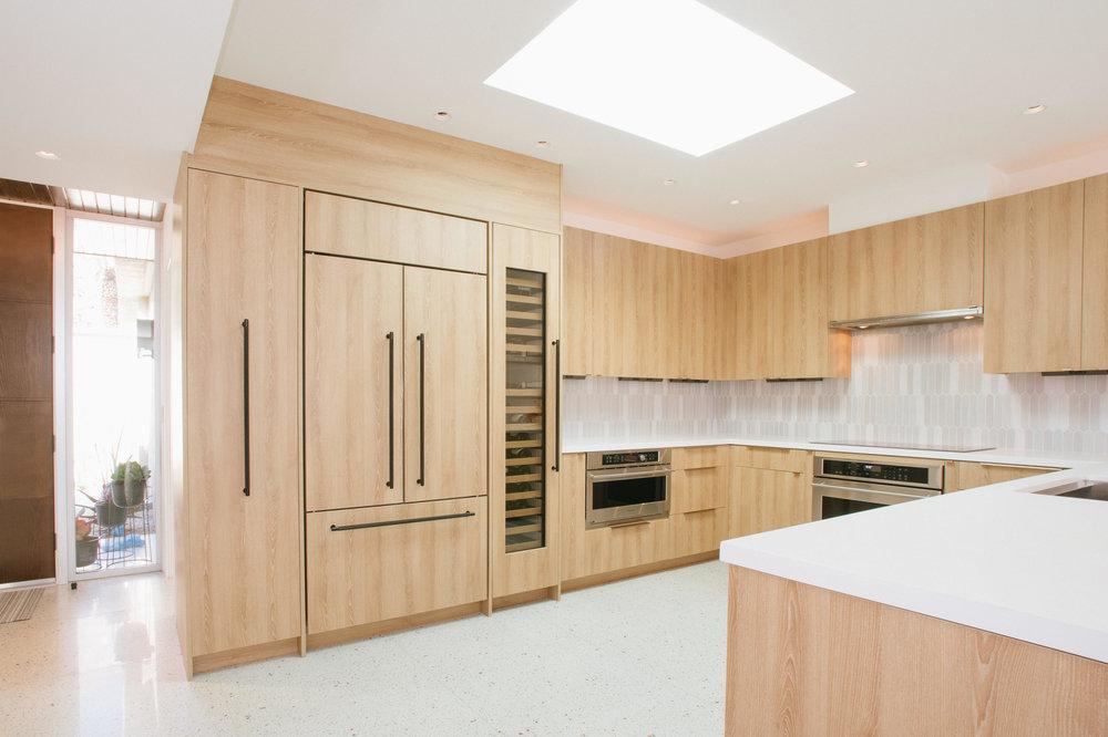 Staci-Munic-Interiors-midcentury-modern-chefs-kitchen-Palm-Springs.jpg