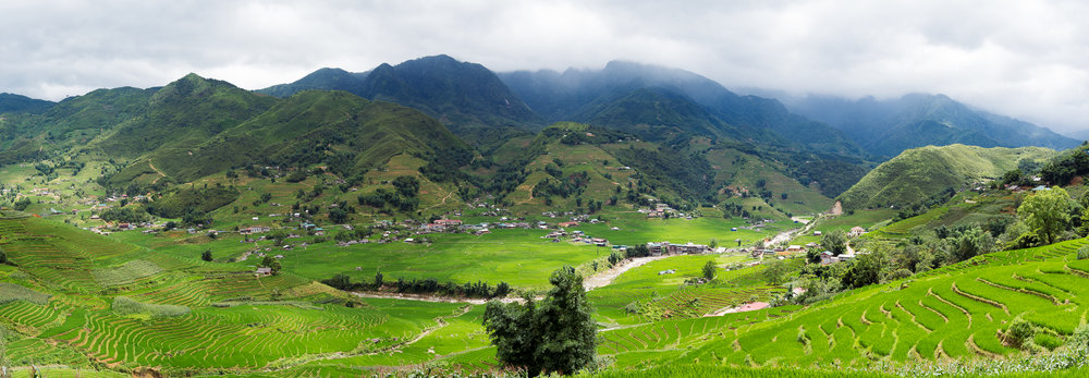 A panoramic view of rice terraces in Sapa valley and village Lao Chai.jpg