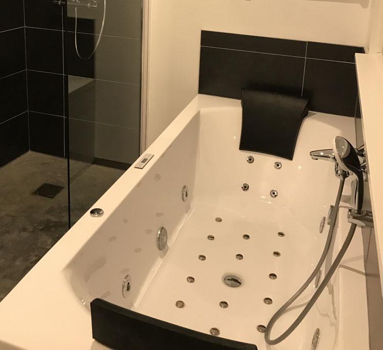 badkamer.3.hotelroom2.jpg