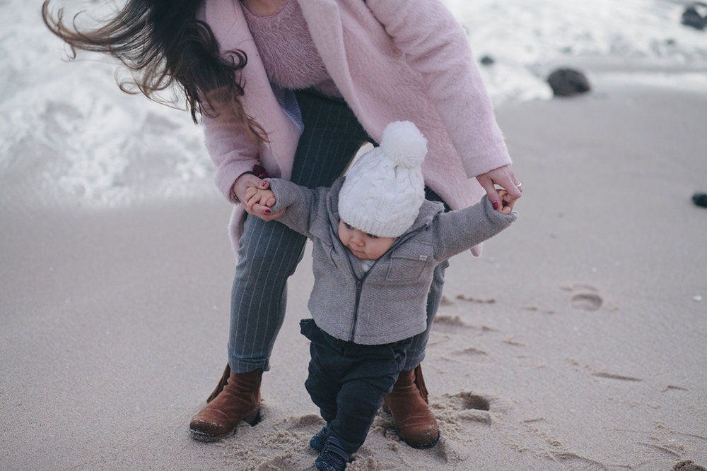 fotografia-de-familia-na-praia-porto-portugal