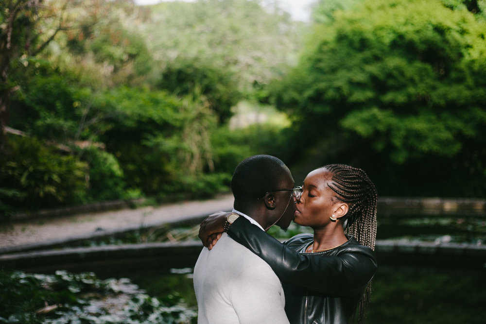 Portrait of couple in an engagement session in Porto
