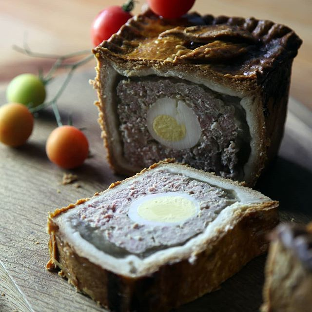 Have you tried our gala pie with egg. It is proving popular this summer 😋#regmayspies #regmaybutchers #picnicpie #dittonpriors #handmadeinshropshire #foodie