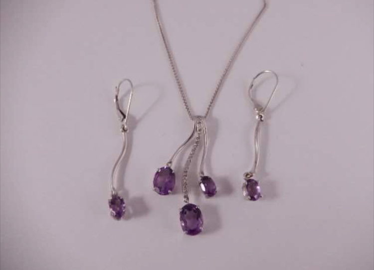 necklaces purple.jpg