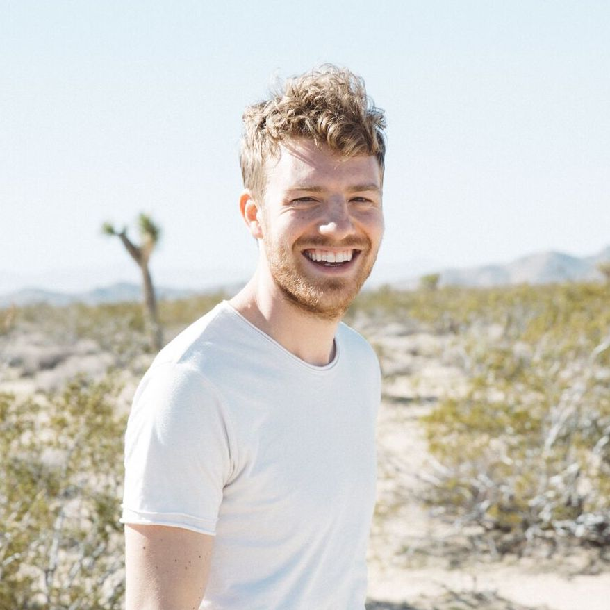 Independent artist Andrew Belle needed to grow his fan list for more momentum and security. His strategy got him  5k new potential buyers in only a week's time,  plus an ongoing strategy that more than doubled his list with $0 ad spend.