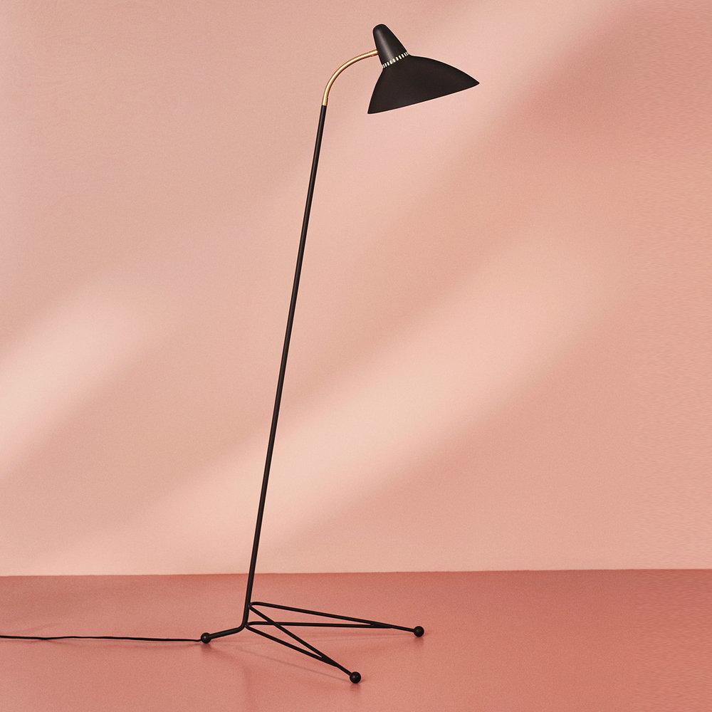 4110010-warmnordic-lighting-lightsome-floorlamp-black-noir-vnude-1392x1392.jpg