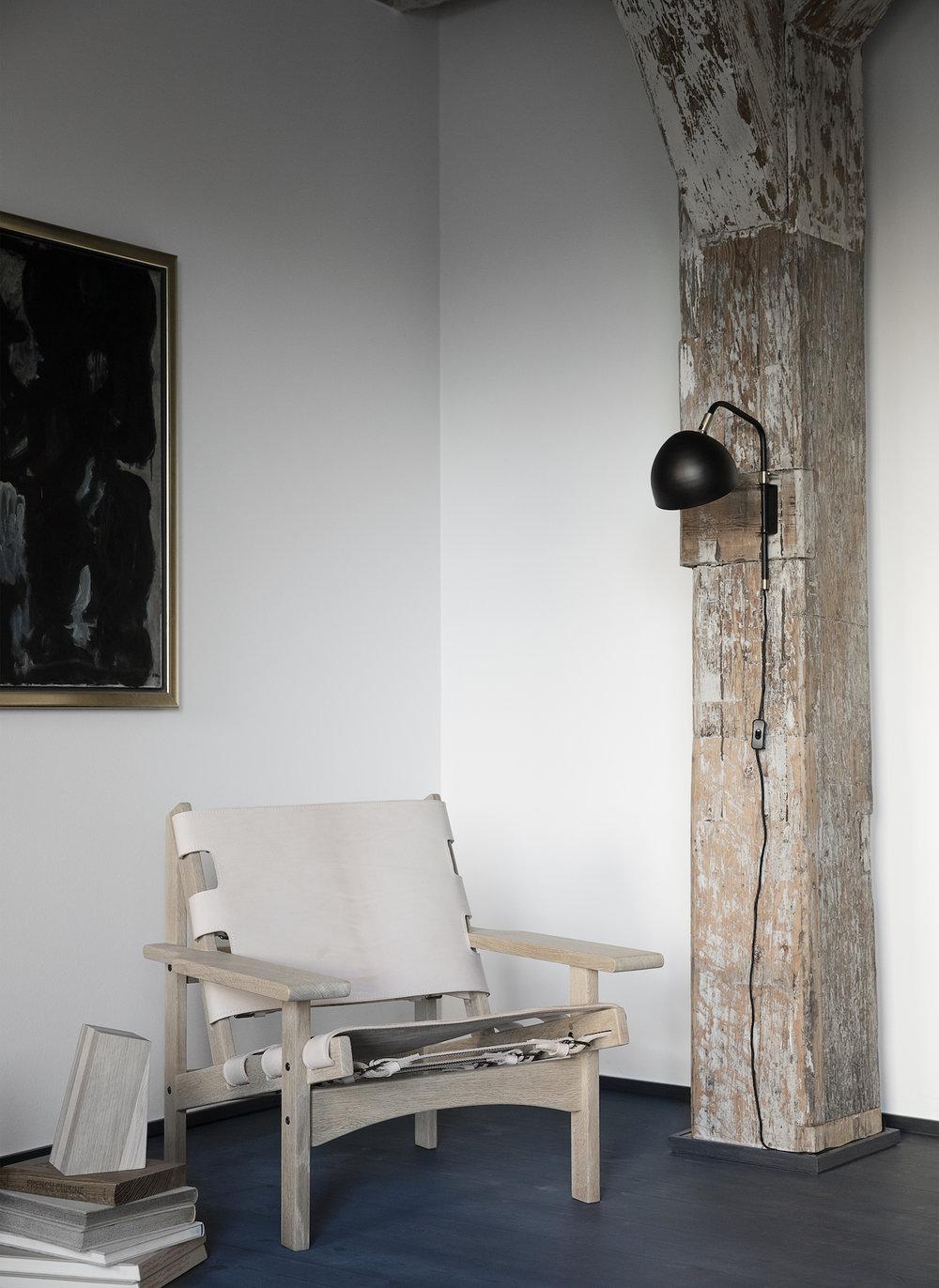 Klassik Studio Studio 1 Wall Lamp.jpg