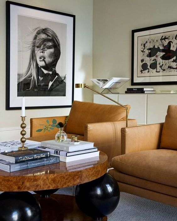 """Oversize Portraits - According to Pin-sights PINTEREST TOP 100Wall art is big: Buh-bye, blank space! Large posters, works of art and especially photography prints are blowing up (saves for """"big wall art"""" +637%) This is moving into large portrait photography as well.Elegant, sophisticated and modern interior via @insideinteriorstories 