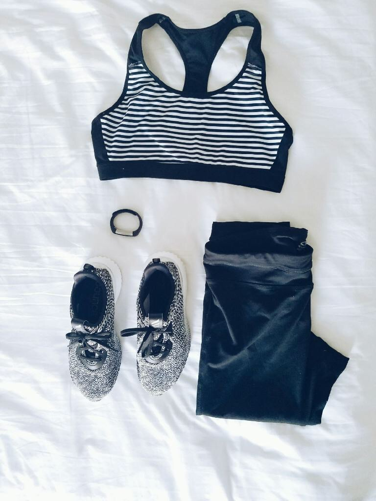 gym clothes to workout in hotel gym
