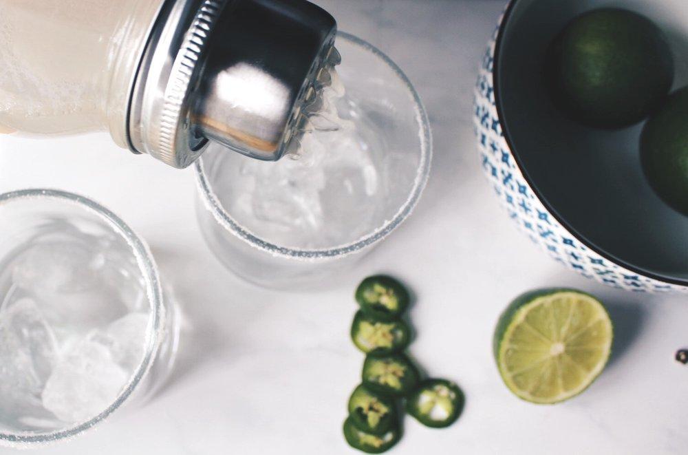 pouring margarita