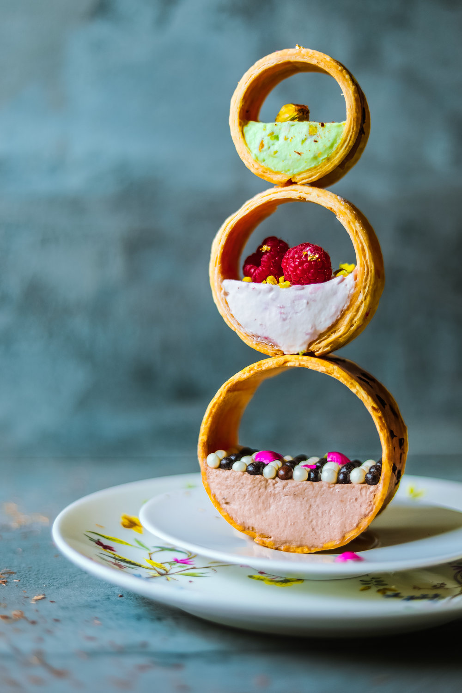 """Molecule"" mille-feuille dessert version"