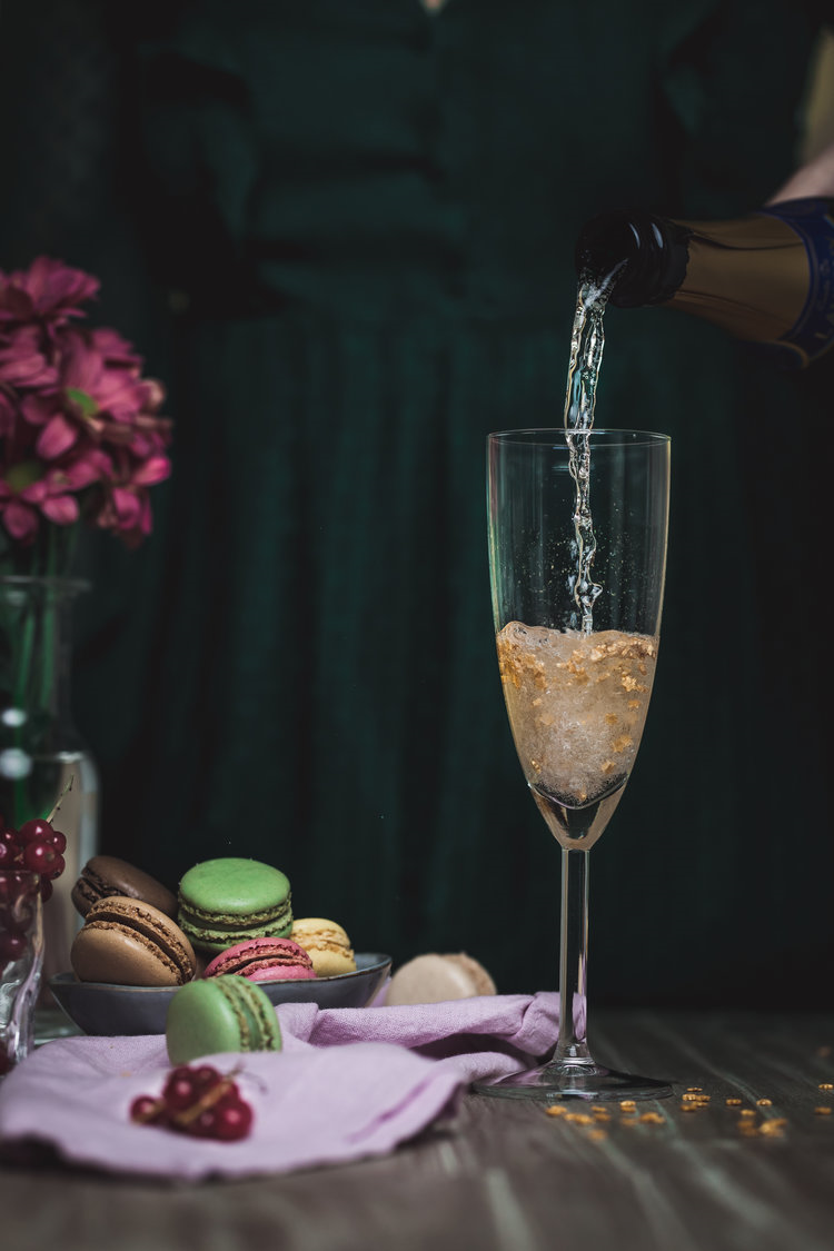 First blog anniversary Falling from stars with champagne macarons and fruits