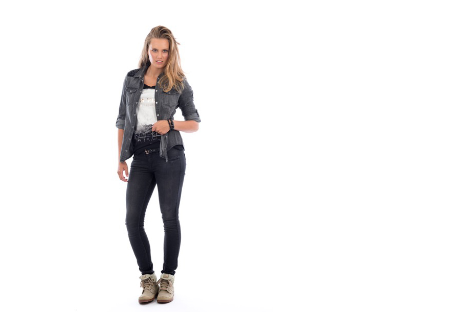 Catwalks - Producten presenteren op modellen voor een witte achtergrond